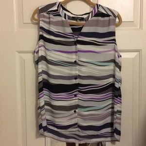 Nine West sleeveless button down blouse 12